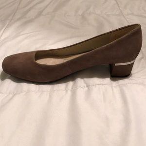 Naturalizer Wanda Suede Heel shoes